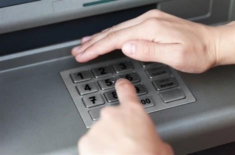 Cách phòng tránh mất tiền trong thẻ ATM và giao dịch mạng