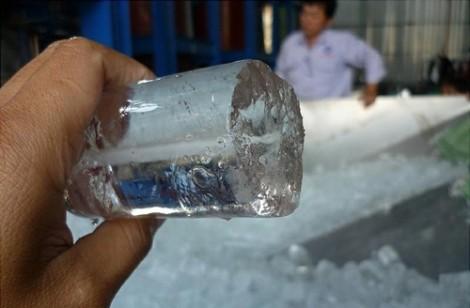 Tại sao trời nóng, uống nước đá… càng thêm nóng?