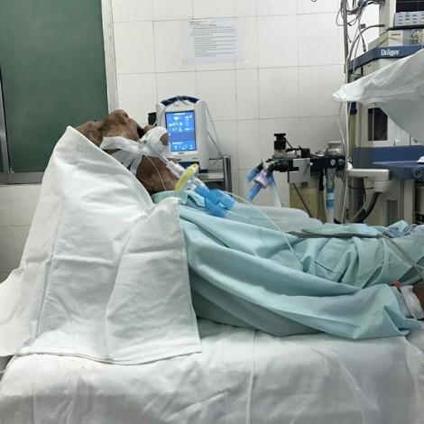 Kỳ lạ ông lão ở Tây Ninh hơn 40 năm ngủ ngồi