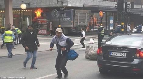 Thụy Điển: Bắt nghi phạm đâm xe tải vào đám đông tại Stockholm