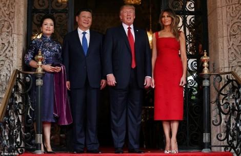 Đọ thời trang của Đệ nhất phu nhân Mỹ-Trung: Ai mặc đẹp hơn?