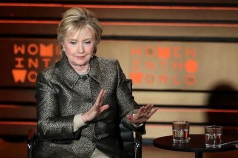 Hillary Clinton kêu gọi ném bom các sân bay Syria