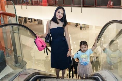 Chăm con theo cách của Hoa hậu Hương Giang