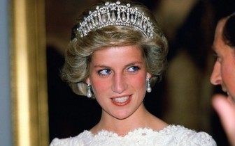 Công nương Diana: Từ 'người mặc xấu nhất' cho tới biểu tượng thời trang thế giới