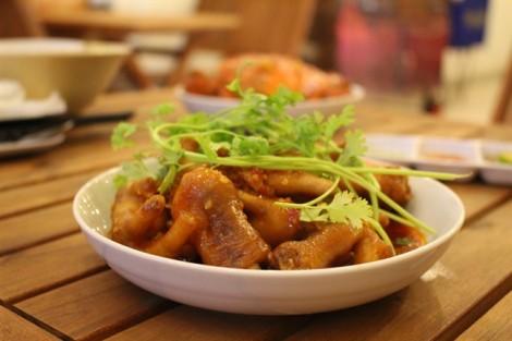 'Chảy nước mắt' với 4 món ngon cay đậm cho Sài Gòn ngày giao mùa