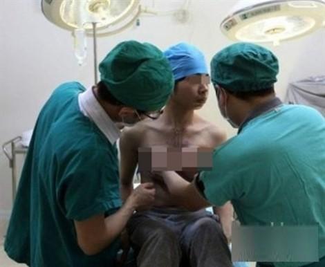 Chuẩn bị phẫu thuật chuyển giới cho trường hợp đầu tiên tại Việt Nam