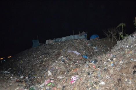 Nghi án giết người phi tang xác từ chiếc chân trong túi nylon tại bãi rác