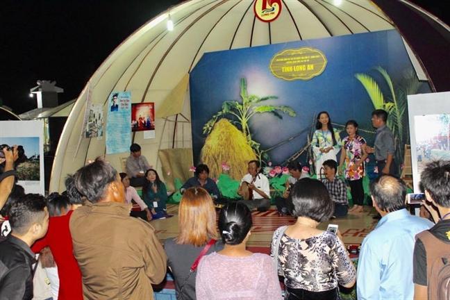 Hoa khoi Nam Em hen ho Kyo York o Festival Don ca tai tu