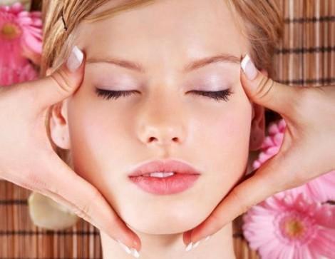 Thói quen chăm sóc da sớm giúp chậm 'chạm mặt' các vết nhăn lão hóa