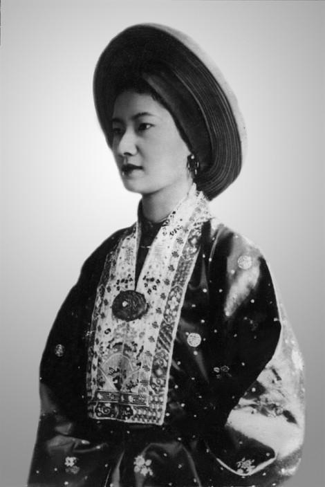 Vẻ đẹp từ trang phục của phụ nữ Việt Nam xưa và nay