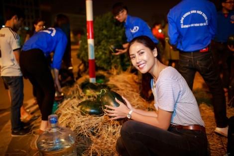 Nguyễn Thị Loan mua hơn 3 tấn dưa ủng hộ nông dân Quảng Ngãi