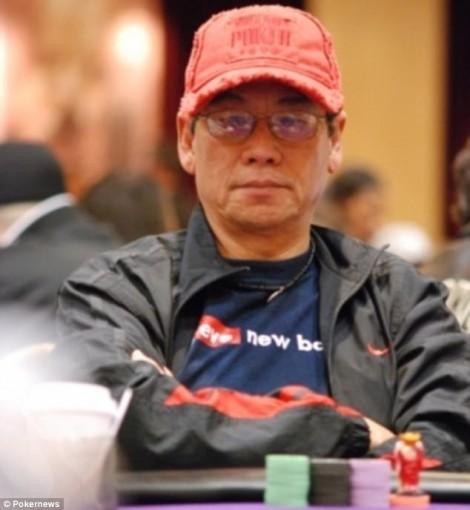 Bác sĩ gốc Việt bị lôi khỏi máy bay là 'cao thủ' chơi bài poker