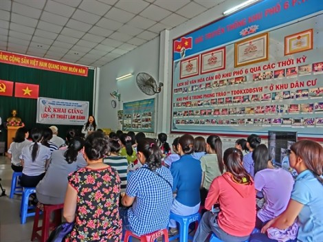 Mở lớp dạy làm bánh cho phụ nữ quận Tân Phú