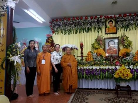 Dâng hương nhân kỷ niệm 30 năm ngày giỗ Ni sư Huỳnh Liên