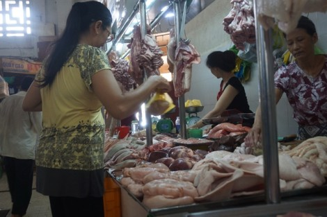 Giá thịt heo nhập khẩu rẻ... giật mình
