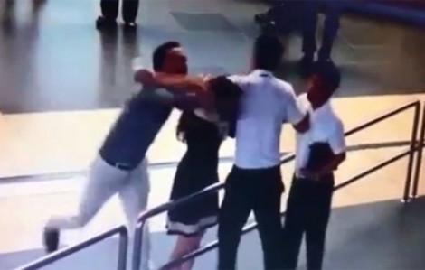 Hành hung nhân viên hàng không, hành khách Quảng Ngãi bị phạt 7,5 triệu động