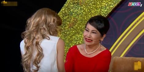 Thanh Hằng, Phi Nhung khóc nghẹn trên sân khấu