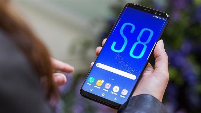 Vi sao Galaxy S8 nong?