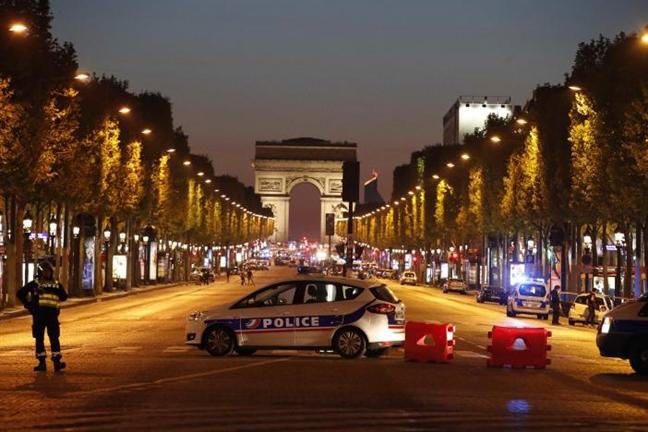 IS tan cong khung bo Paris ngay truoc bau cu Tong thong Phap