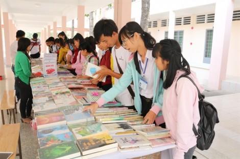 Trường Cao đẳng Sư phạm Tây Ninh: Nhiều hoạt động sôi nổi hưởng ứng Ngày sách Việt Nam năm 2017