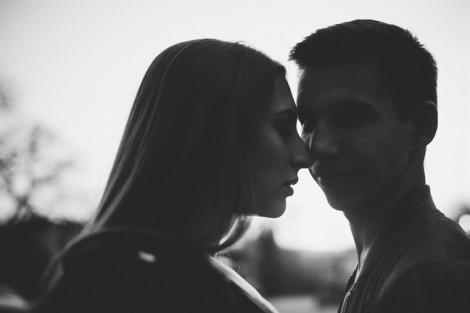 Giúp nhau vòng qua 'ổ gà' trên con đường hôn nhân