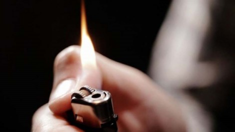 Kem thoa da chứa paraffin có thể gây cháy