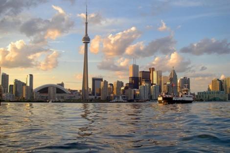 Canada sắp 'cho người dân tiền' một cách ngẫu nhiên