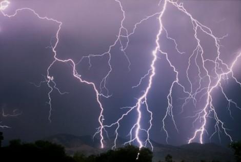 Cảnh báo thời tiết nguy hiểm, mưa đá ở nhiều vùng trên cả nước