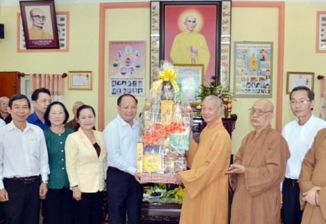 Lãnh đạo TP.HCM thăm Ban Trị sự Giáo hội Phật giáo nhân Đại lễ Phật đản
