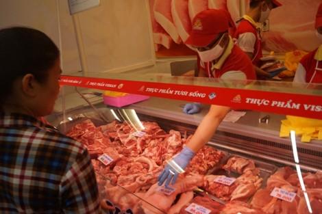Chủ tịch Hiệp hội chăn nuôi Đồng Nai: 'Các siêu thị đang ăn lãi thịt heo quá dày'