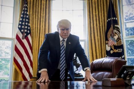 Những câu nói khó đỡ trong 100 ngày Tổng thống Donald Trump cầm quyền