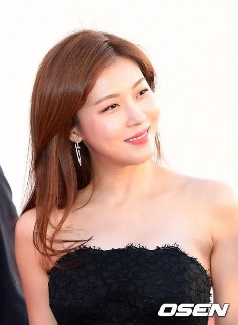 Bí quyết làm đẹp của ngôi sao xứ Hàn 40 tuổi Ha Ji Won