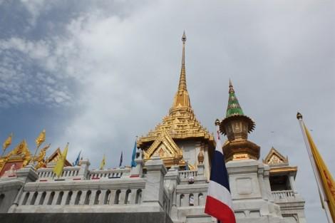Đi Thái Lan nên mua tour hay không?
