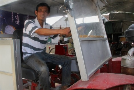 'Kỹ sư làng' chế tạo máy cày 5 trong 1 thách thức công nghệ Nhật Bản