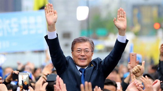 Moon Jae-in - Nguoi duy nhat co the thao ngoi no o Trieu Tien?
