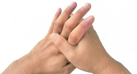 Nhiều bệnh không ngờ tới vì thói quen cắn móng tay khó bỏ