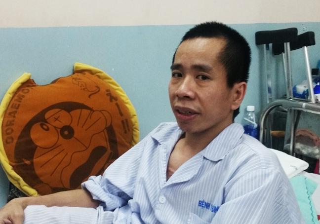 Tao hinh thanh cong nieu quan cho nguoi em song sinh Nguyen Duc