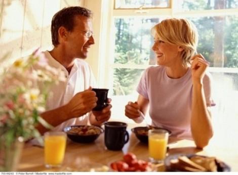 Có cần phải cảnh giác với bạn gái trong sáng của chồng?