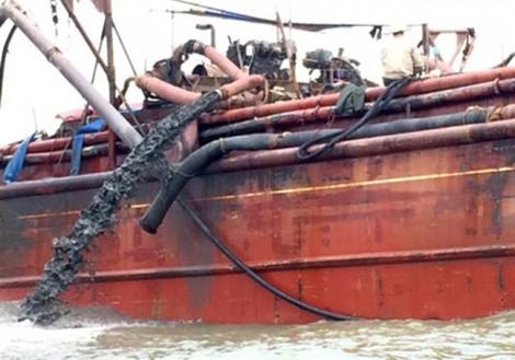 Vụ đổ chất thải xuống biển Nghệ An: Chất thải rắn lơ lửng vượt 2,78 lần