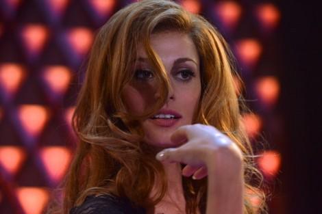 'Tôi là Dalida': Giọng hát huyền thoại trong một cuộc đời lửng lơ