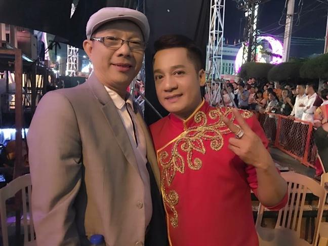 NS Trung Dan: Con gai khuyen toi xem loi Huong Giang Idol nhu loai rac khong the tai sinh!