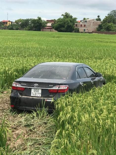 Tạm giữ tài xế xe Camry lao vào nhóm học sinh khiến 3 em tử vong