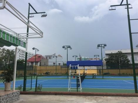 Trường đại học Ngân hàng TP.HCM: Xây sân tennis để phục vụ sinh viên?