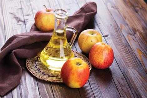 Siêu mẫu Miranda Kerr, Megan Fox tăng cường sức khỏe nhờ giấm táo