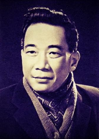 Tố Hữu (1917-2002): Tình trong như đã mặt ngoài còn e