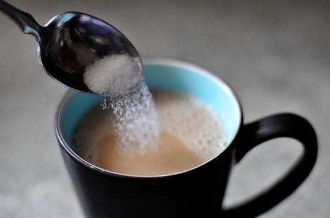 Cà phê đen và cà phê sữa, uống loại nào tốt hơn?