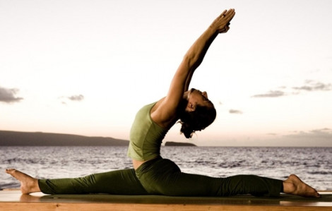 10 động tác yoga giúp giảm mỡ bụng nhanh chóng