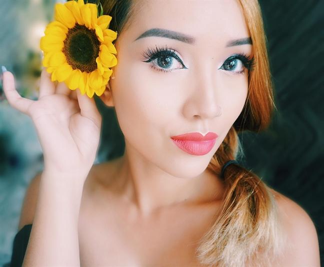 Nu tiep vien hang khong 9X trai long ve nghe beauty blogger