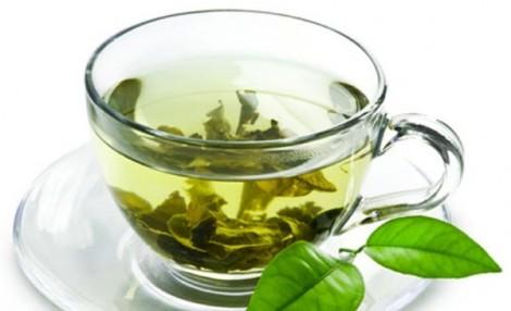 5 cách tự làm mặt nạ từ lá trà xanh phù hợp từng loại da
