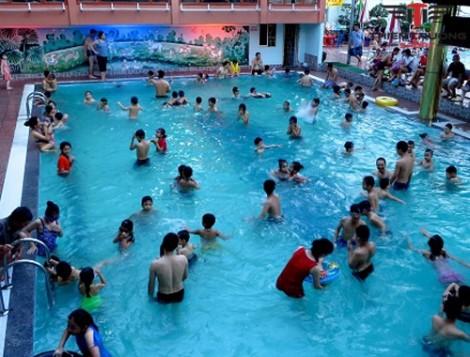 25% người thừa nhận vẫn đi bơi khi đang bị... tiêu chảy